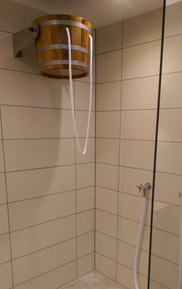 Wandmontage Eimer-Schwalldusche, Showerbucket, Shower-bucket, waterfall bucket, bucketshower