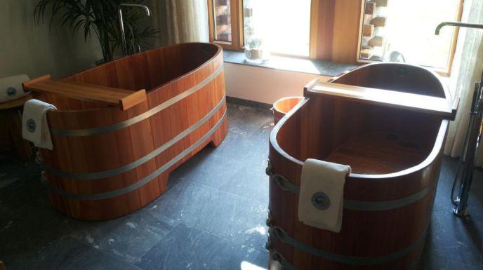 Lärche nachgedunkelt, Nachdunkeln, drewniana wanna, banheira de madeira, деревянная ванна, drevená vaňa, dřevěná vana, lesena kad, bañera de madera, ahşap küvet, дерев'яна ванна, fa kád