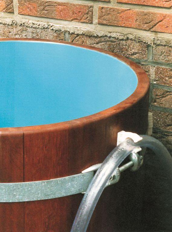 outdoor badebottiche regentonnen hot tubs. Black Bedroom Furniture Sets. Home Design Ideas
