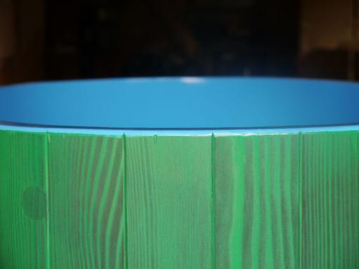 blau / grün lasierend Dekorwachs, Sauna-Tauchbottich, Saunatauchbottich, Saunatauchbecken, Tauchbottich, Tauchbecken, Dompelton, saunatub, sauna-tub, sauna tub