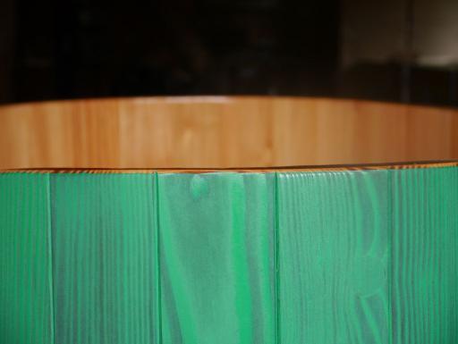 transparent / grün lasierend Dekorwachs, Sauna-Tauchbottich, Saunatauchbottich, Saunatauchbecken, Tauchbottich, Tauchbecken, Dompelton, saunatub, sauna-tub, sauna tub
