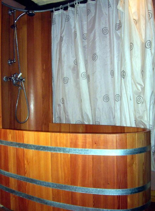 kombinierte Bade- / Duschwanne, Duschwand, Duschrückwand, Duschpanel, Holzbadewanne