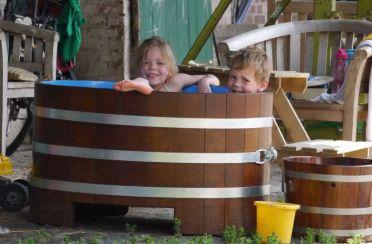 Kinderbadewanne aus Holz, Kinderholzwanne, Kinder-Holzbadewanne, Holzbadewanne für Kinder, Planschbecken Holz, Massivholz, Garten, Outdoor