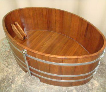 Holzbadewanne, Lärche oval 168x106 cm, symmetrisch, Holz-Badewanne, Holzwanne, Badewanne, Holzzuber, Badezuber, gebeizt Nussbaum